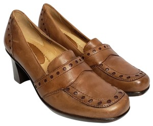 Earth Leather Apron Toe Brown Pumps