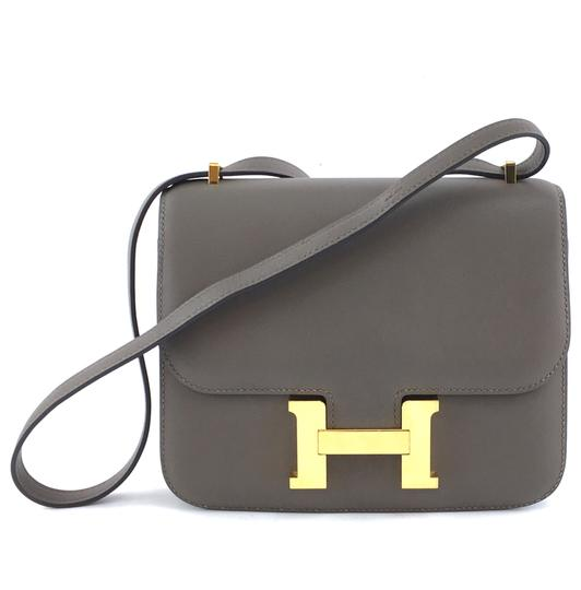Preload https://img-static.tradesy.com/item/26691188/hermes-constance-35313-18-swift-two-way-double-strap-shoulder-flap-grey-calfskin-leather-cross-body-0-1-540-540.jpg