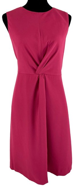 Item - Plum Raspberry Knot-front Sheath Knee Length Lined Mid-length Cocktail Dress Size 14 (L)