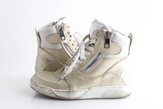 Preload https://img-static.tradesy.com/item/26692096/dolce-and-gabbana-white-side-zip-high-top-leather-sneakers-shoes-0-0-540-540.jpg