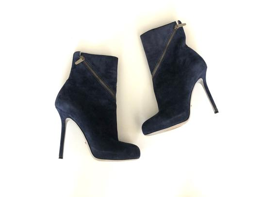 Preload https://img-static.tradesy.com/item/26692552/sergio-rossi-blue-suede-heels-85-bootsbooties-size-eu-385-approx-us-85-regular-m-b-0-0-540-540.jpg