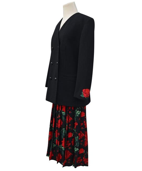 Item - Black/Red Multi W Wool Double Breast Dress Rose 46 Skirt Suit Size 10 (M)