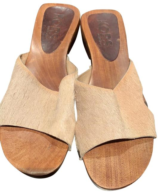 Item - Beige/Tan Mules/Slides Size US 7 Regular (M, B)