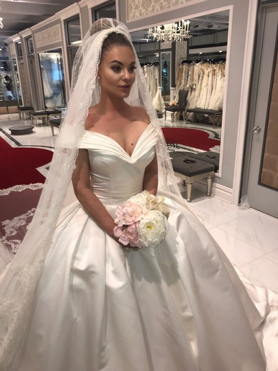 Preload https://img-static.tradesy.com/item/26696600/ysa-makino-off-white-elegant-the-shoulder-ball-gown-formal-wedding-dress-size-6-s-0-0-540-540.jpg