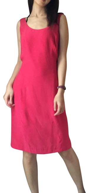 Item - Silk Sleeveless In Red Mid-length Formal Dress Size 10 (M)
