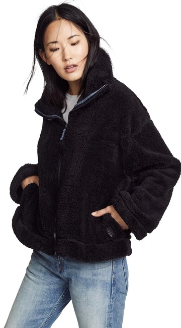 Item - Black Teddy Fuzzy Activewear Outerwear Size 12 (L)