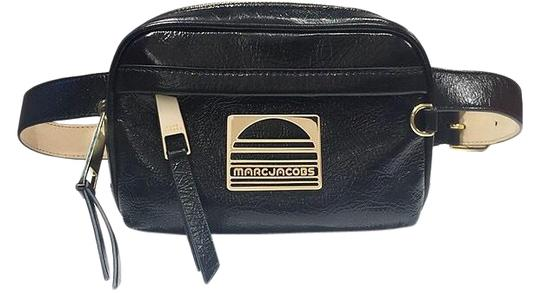 Preload https://img-static.tradesy.com/item/26698768/marc-by-marc-jacobs-belt-black-leather-cross-body-bag-0-1-540-540.jpg