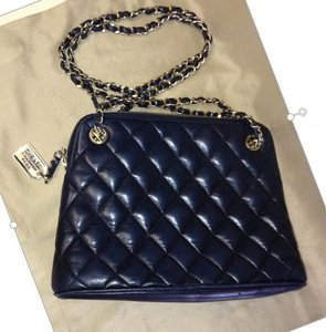 62c0953d74f0 Chanel Vintage Quilted Lambskin Made In Italy Gold Tone Chain Strap Shoulder  Bag