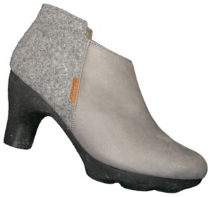 El Naturalista Leather Winter gray Boots