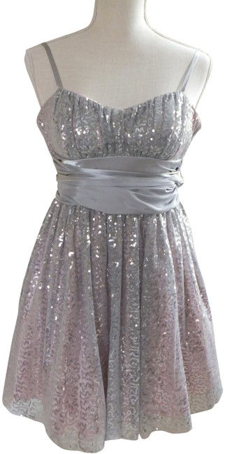 B. Smart Silver W Homecoming Prom Sequin W/Sash/Bow 3/4 Short Formal Dress Size 4 (S) B. Smart Silver W Homecoming Prom Sequin W/Sash/Bow 3/4 Short Formal Dress Size 4 (S) Image 1