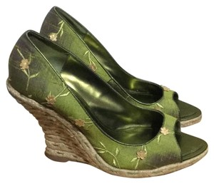 Hype Flowers Embroidered Green Tan Wedges