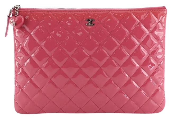 Item - Valentine Hearts O Case Quilted Medium Pink Patent Leather Clutch