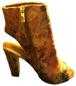 Bamboo Pink Rose Floral Print Boots
