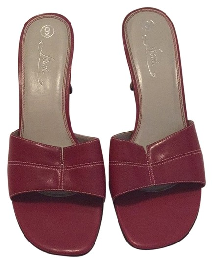 Preload https://item4.tradesy.com/images/fioni-red-sandals-2672023-0-0.jpg?width=440&height=440