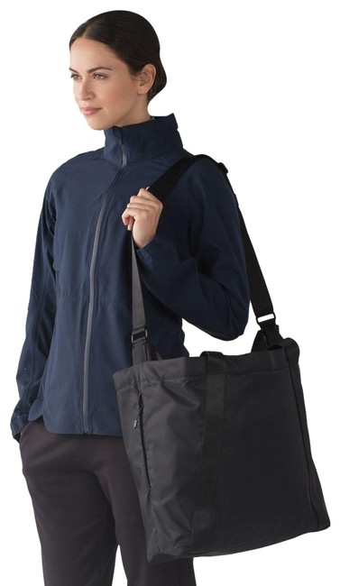 Item - L Carry The Day Heat Proof Pocket 22 Black Nylon Weekend/Travel Bag