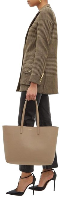 Item - East West Large Dusty Grey Shopping Tote With Pouch Leather Shoulder Bag