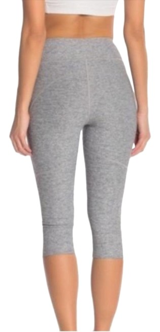 Item - Gray Warm Up Knee Length Activewear Bottoms Size 8 (M, 29, 30)