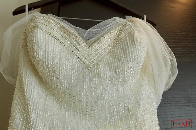 Item - Ivory Chantilly Lace + Beaded Lace The Signature Traditional Wedding Dress Size 8 (M)