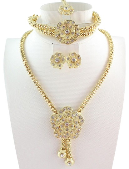 Preload https://item5.tradesy.com/images/private-label-stunning-4pc-flower-necklace-jewelry-set-2673109-0-0.jpg?width=440&height=440