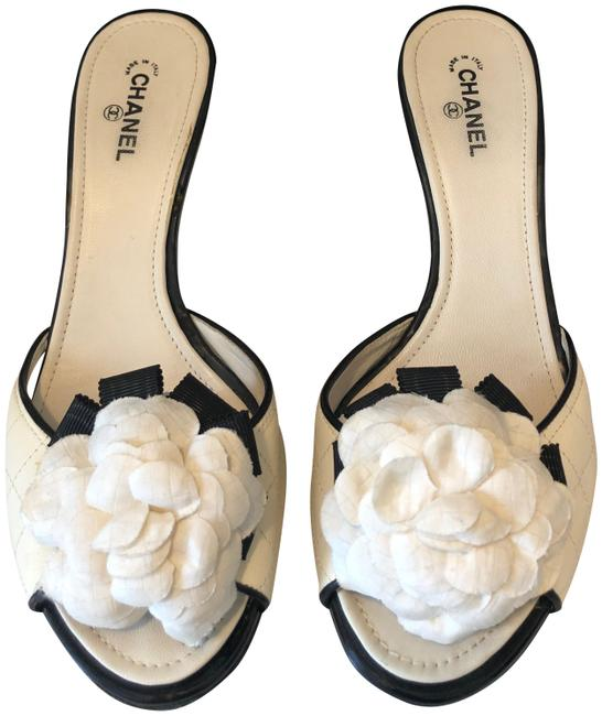 Item - White Quilted Ivory Black Patent Mules with Silk Camellia Flowers Sandals Size EU 38 (Approx. US 8) Regular (M, B)