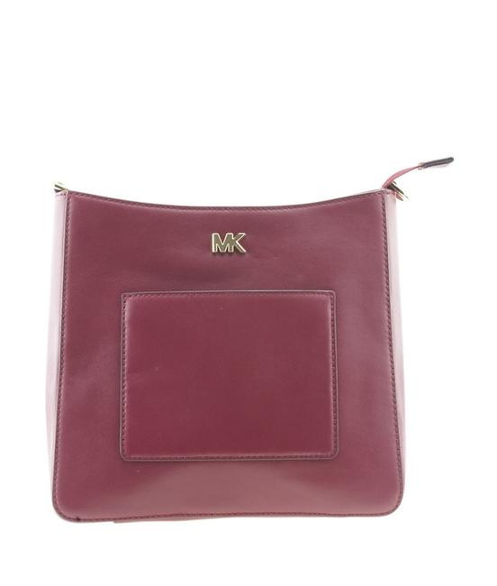 Item - Gloria Pocket Small Swing (167597) Red Leather Cross Body Bag