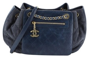 Chanel Shoulderbag Denim Leather Tote in blue