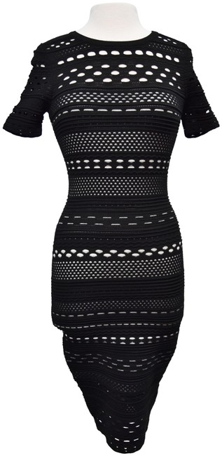 Item - Black & White Knit Cut-out Small Mid-length Short Casual Dress Size 4 (S)