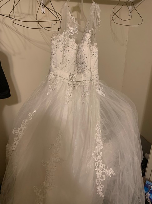 David's Bridal White Cathedral Ball Gown Feminine Wedding Dress Size 14 (L) David's Bridal White Cathedral Ball Gown Feminine Wedding Dress Size 14 (L) Image 1