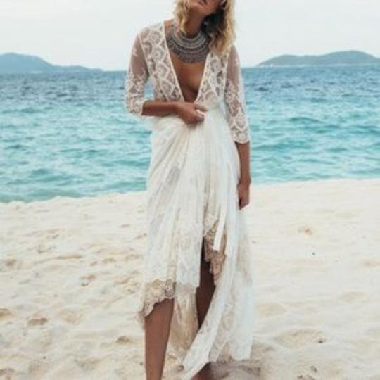 Preload https://img-static.tradesy.com/item/26747929/spell-and-the-gypsy-collective-white-canyon-moon-duster-size-m-0-0-540-540.jpg
