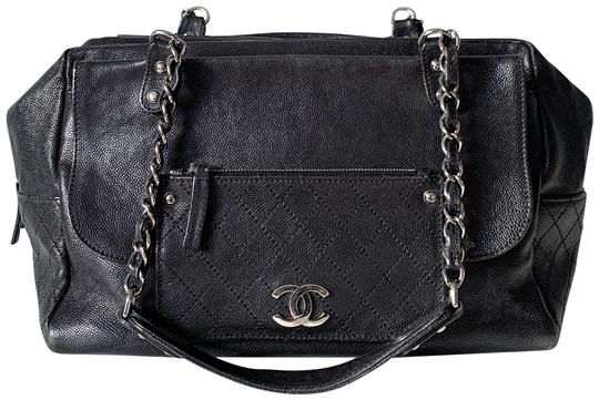 Preload https://img-static.tradesy.com/item/26749085/chanel-classic-flap-pocket-in-the-city-caviar-black-leather-shoulder-bag-0-2-540-540.jpg