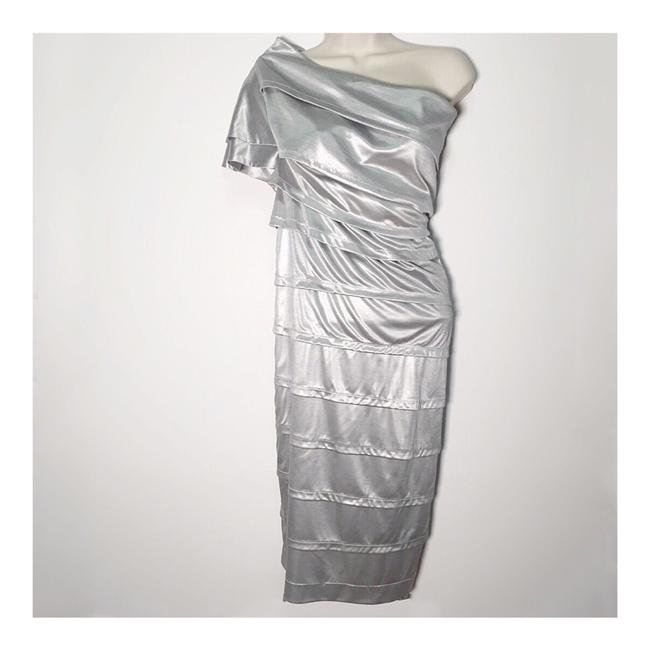 Item - Silver Metallic One Shoulder Cocktail Dress Size 4 (S)