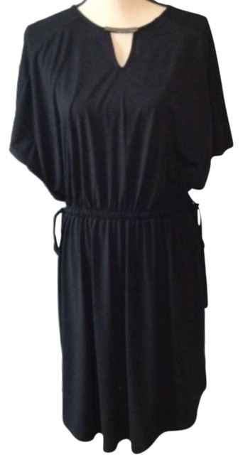 Item - Black and Silver Raglan Sleeve Keyhole Front Mid-length Short Casual Dress Size 6 (S)