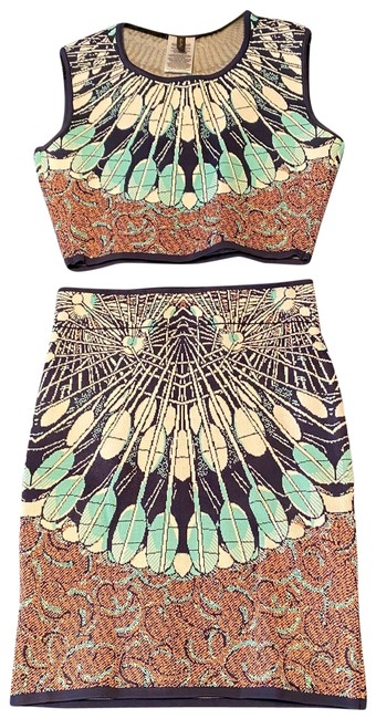 Item - Multi Colored Pattern Two Piece Set Mid-length Short Casual Dress Size 8 (M)