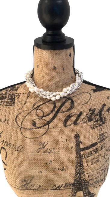 Item - Silver and Pearl Choker Necklace