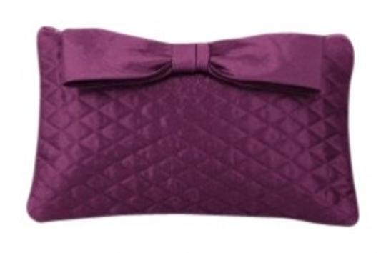 Preload https://img-static.tradesy.com/item/26767/dessy-quilted-blackberry-purple-taffeta-clutch-0-0-540-540.jpg
