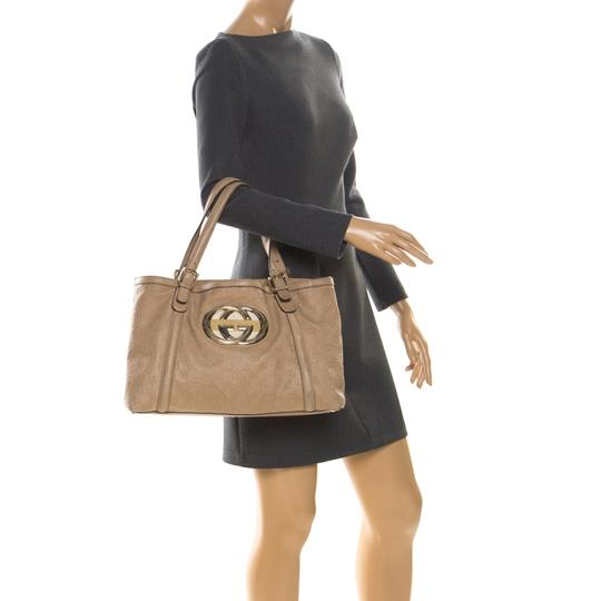 Gucci Leather Tote in Beige Image 2