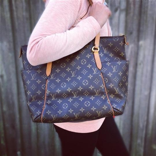 Louis Vuitton Totall Totally Mm Totally Shoulder Bag Image 7