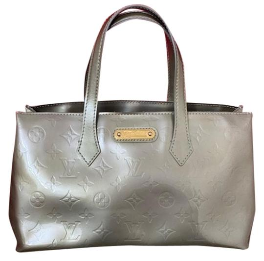 Preload https://img-static.tradesy.com/item/26769008/louis-vuitton-wilshire-pm-green-vernis-tote-0-1-540-540.jpg