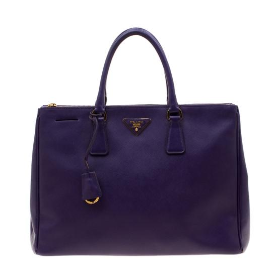Preload https://img-static.tradesy.com/item/26769032/prada-double-lux-saffiano-large-zip-purple-leather-tote-0-0-540-540.jpg