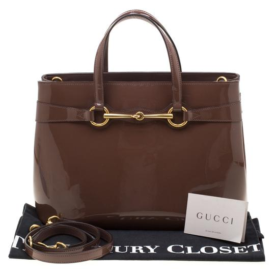 Gucci Patent Leather Fabric Tote in Brown Image 11