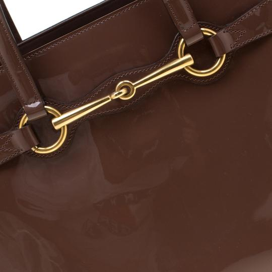 Gucci Patent Leather Fabric Tote in Brown Image 8