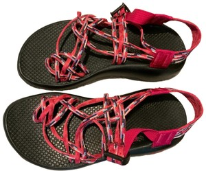 Chaco Raspberry striped with blue and white Athletic