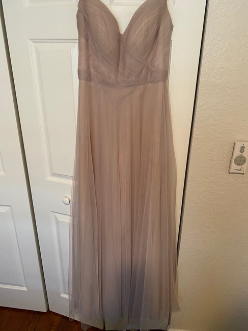 Item - Nude/Taupe Formal Bridesmaid/Mob Dress Size 8 (M)