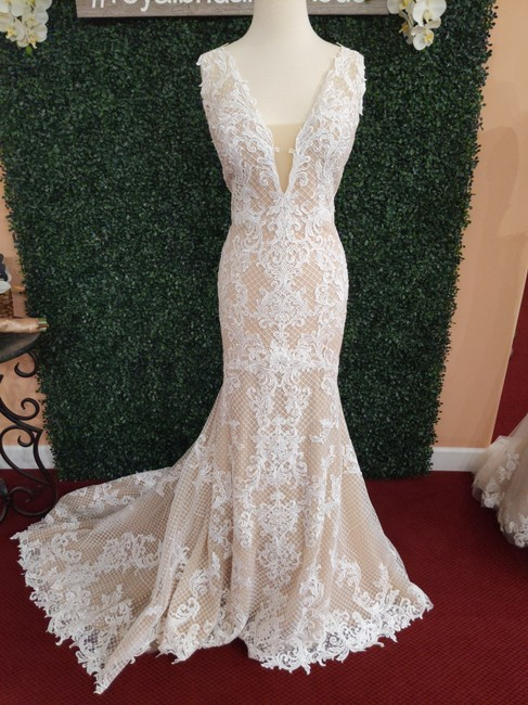 Item - Ivory Over Nude Lace Hailey Sexy Wedding Dress Size 14 (L)