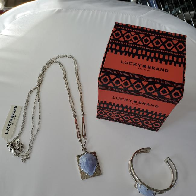 Item - Silver and Semi Precious Accents Necklace
