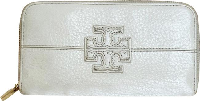 Item - White Pebbled Leather Continental Around Wallet