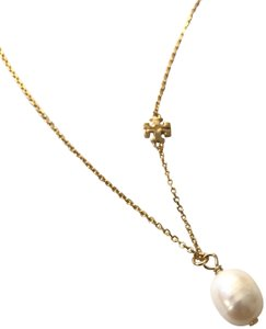 Tory Burch Brand New Tory Burch Logo Cultured Pearl Short Necklace