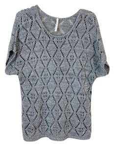 Leo & Nicole Loose Knit Sweater