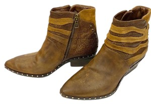 AS98 Brown Boots