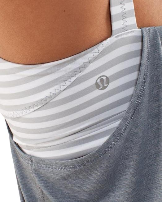 Item - Gray Run: Back On Track - Classic Stripe Activewear Top Size 8 (M)